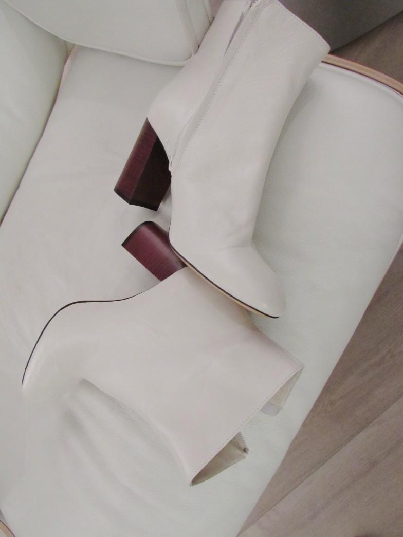 Envelope_heels_woodenheel